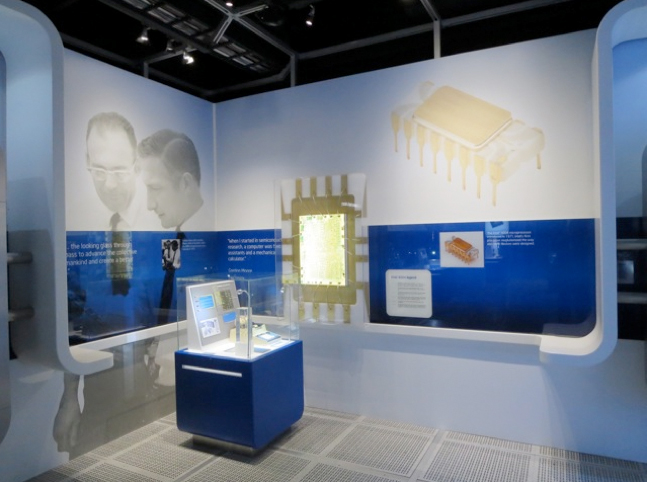 INTEL MUSEUM - Santa Clara (CA)- Panoramic Picture of the Current Display on the 4004 microprocessor